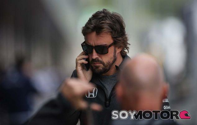 """Alonso, sobre el motor 2018 de McLaren: """"Cuanto antes, mejor"""" - SoyMotor.com"""