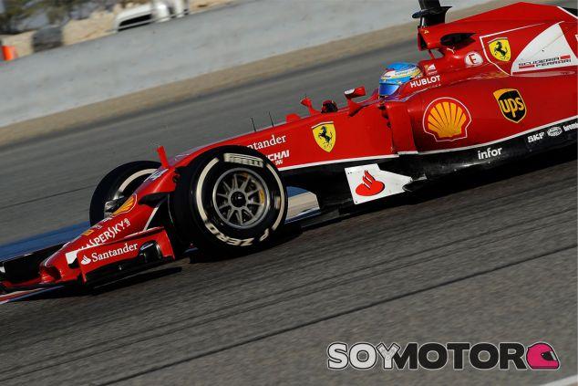 Fernando Alonso a los mandos del F14 T - LaF1