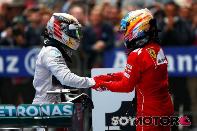 Fernando Alonso y Lewis Hamilton - LaF1.es