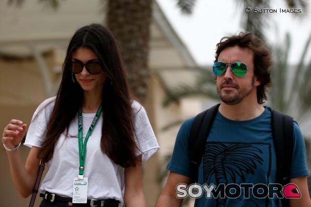 Fernando Alonso y Linda Morselli en una imagen de archivo - SoyMotor