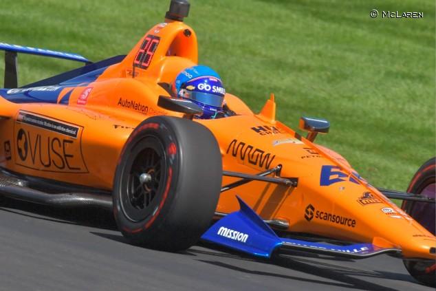 Brown, abierto a encajar a Alonso en el futuro de McLaren Racing - SoyMotor.com