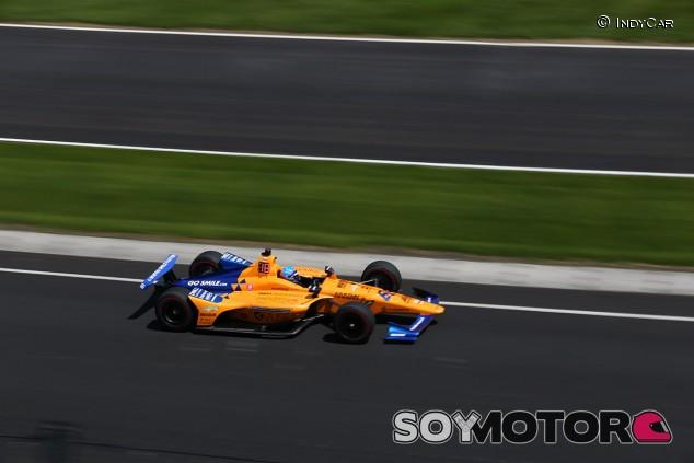 Alonso rueda sin problemas en un 'reducido' Fast Friday - SoyMotor.com