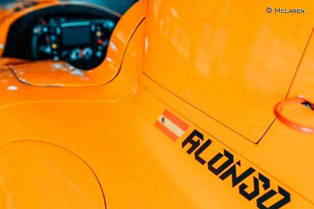 Alonso hará debutar el McLaren de Indianápolis hoy en un test en Texas - SoyMotor.com