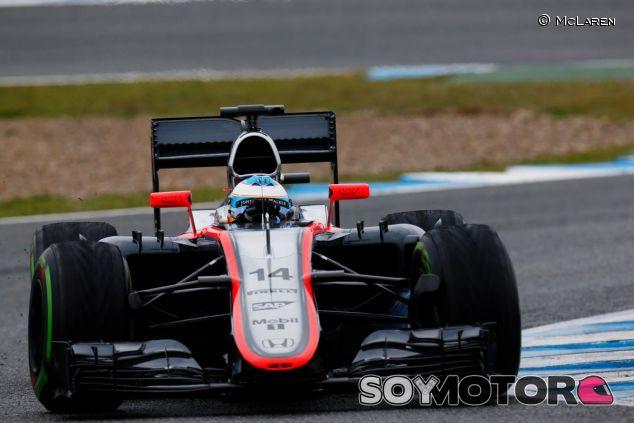 Fernando Alonso en el McLaren durante los test de Jerez - LaF1