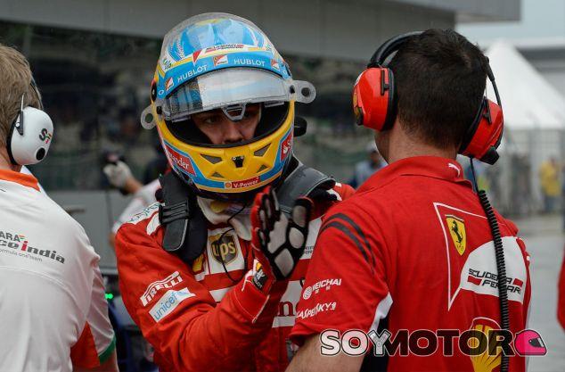 Fernando Alonso durante el Gran Premio de Malasia - LaF1