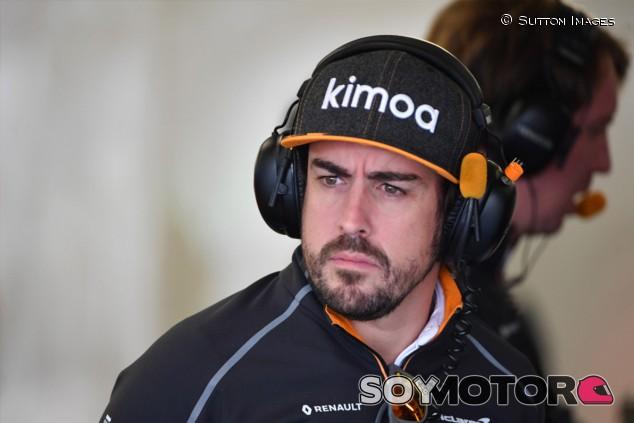 Alonso volverá a la Fórmula 1 con Renault, apunta Brundle - SoyMotor.com