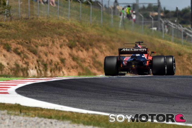 Alonso durante un Gran Premio en 2017 - SoyMotor.com