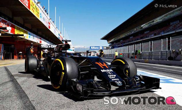 Fernando Alonso en los test de Barcelona - LaF1
