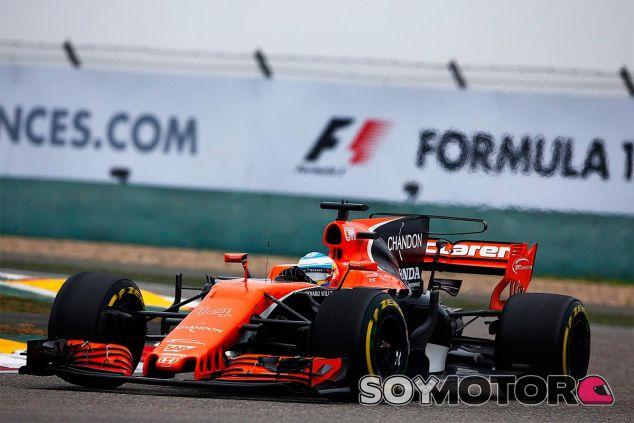 Fernando Alonso en China - SoyMotor