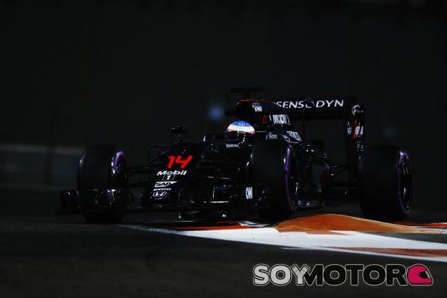 Alonso sumó un punto con la décima posición en Abu Dabi - SoyMotor