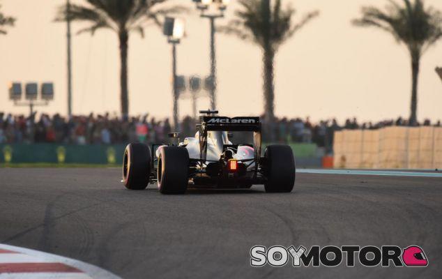 Alonso en Abu Dabi - SoyMotor