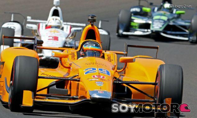 Alonso centró su programa en rodar en tráfico - SoyMotor.com