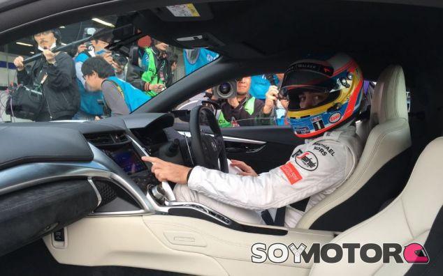 Alonso en un evento de Honda - SoyMotor