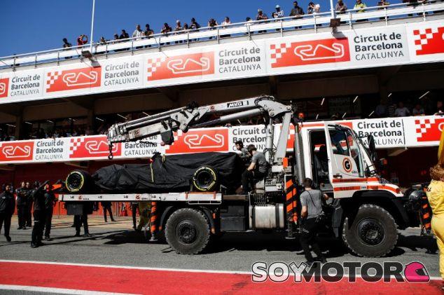 El MCL32 provocó dos banderas rojas - SoyMotor