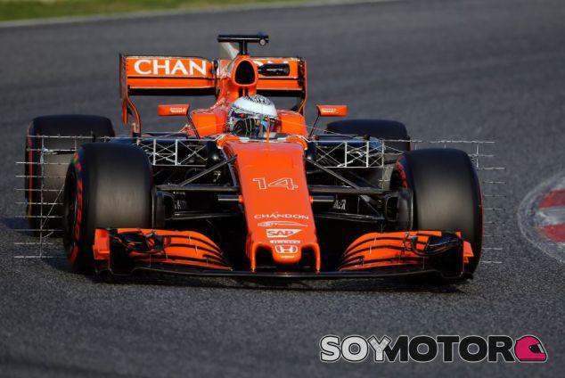 Alonso en los test del Circuit de Barcelona-Catalunya - SoyMotor