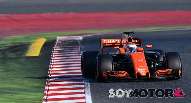 Fernando Alonso, hoy en Barcelona - SoyMotor