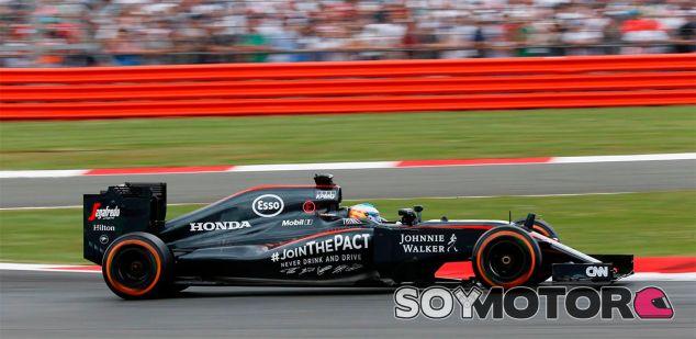 Fernando Alonso en Silverstone - LaF1