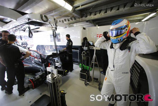 Fernando Alonso durante los entrenamientos del GP de Mónaco - LaF1