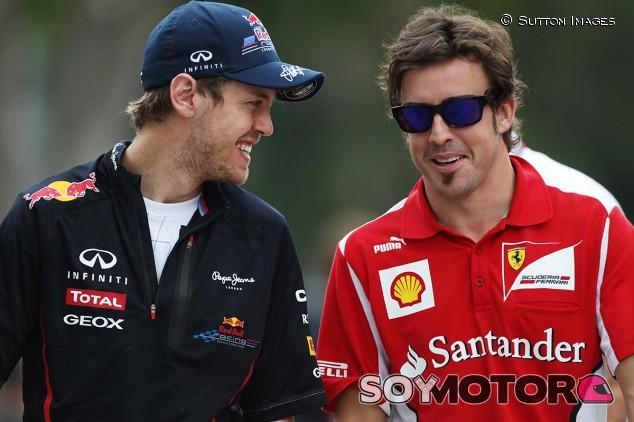 Sebastian Vettel y Fernando Alonso en una imagen de archivo - SoyMotor