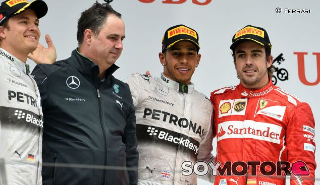 Podio en Shanghái con Rosberg, Hamilton y Alonso - LaF1