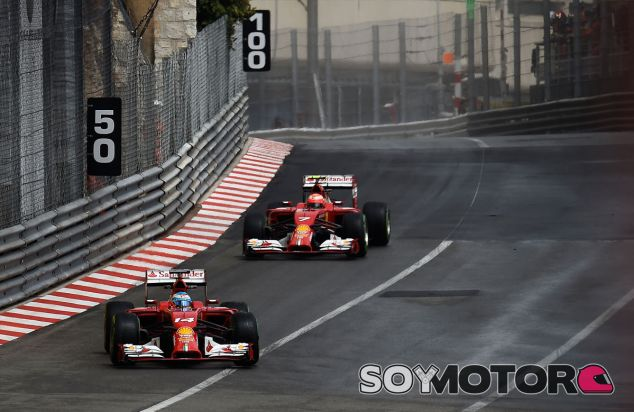 Fernando Alonso y Kimi Räikkönen, ayer en Mónaco - LaF1