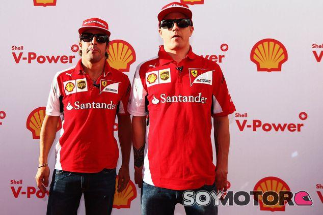 Ni Alonso ni Räikkönen descartan acabar en el podio de Melbourne