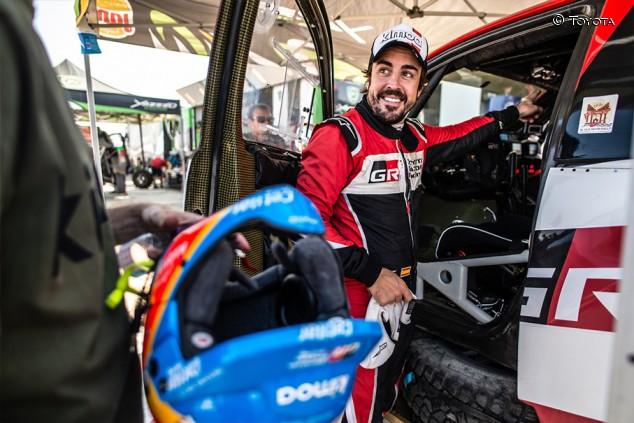 """Alonso sube el ritmo día a día en Arabia: """"He ganado confianza"""" - SoyMotor.com"""