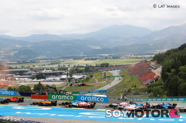 La FIA responde a los comentarios de Alonso sobre la Curva 1 de Austria - SoyMotor.com