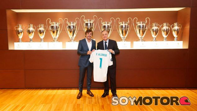 Fernando Alonso y Florentino Pérez en el Santiago Bernabéu - SoyMotor.com
