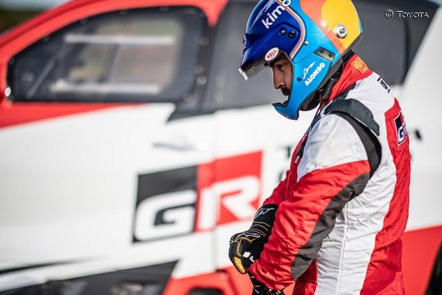 Alonso prepara el Dakar con un nuevo test en Polonia - SoyMotor.com