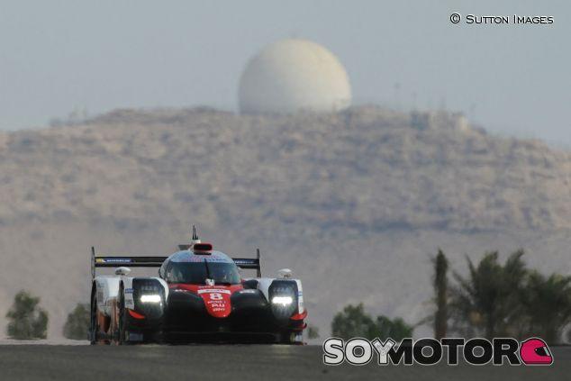 Alonso, durante el test con el LMP1 de Toyota en 2017 - SoyMotor.com