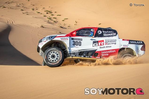 Alonso volverá a pilotar el Toyota del Dakar mañana - SoyMotor.com