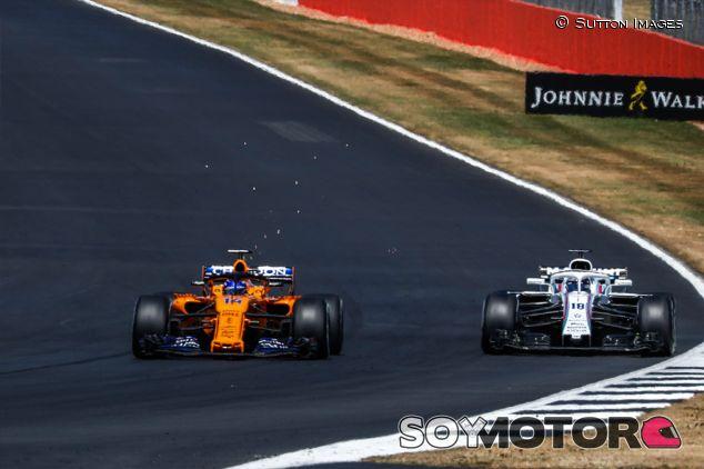 Fernando Alonso y Lance Stroll en Silverstone - SoyMotor.com