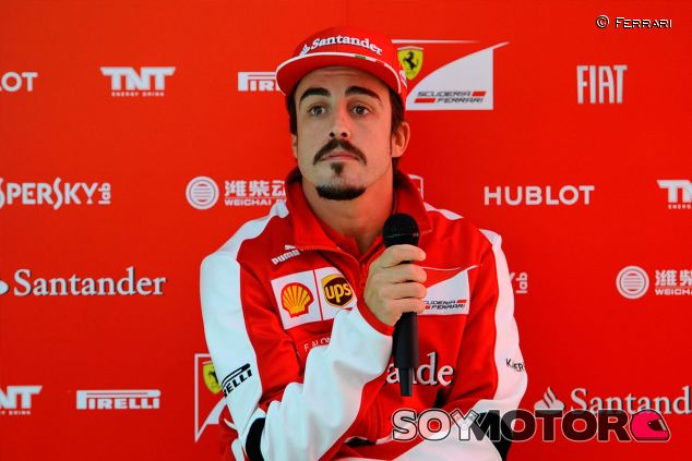 """Alonso: """"Veo bien a Ferrari y creo que podemos darle un 8, una buena nota"""""""