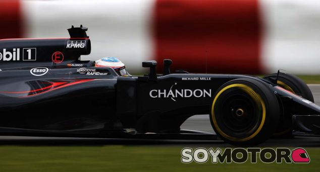 Alonso durante un Gran Premio esta temporada - LaF1