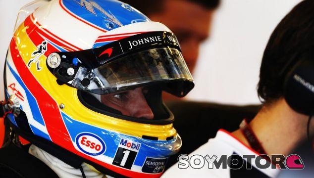 Alonso, durante un Gran Premio esta temporada - LaF1