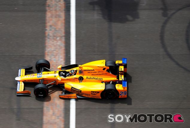 Fernando Alonso en Indianápolis – SoyMotor.com