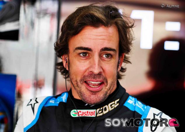 Alonso cree que la pelea Red Bull-Mercedes se mantendrá todo 2021 - SoyMotor.com