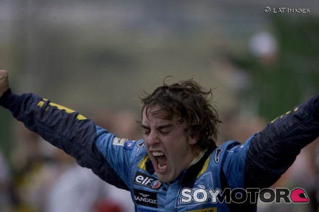 Alonso pilotará el R25 en una exhibición durante el GP de Abu Dabi - SoyMotor.com