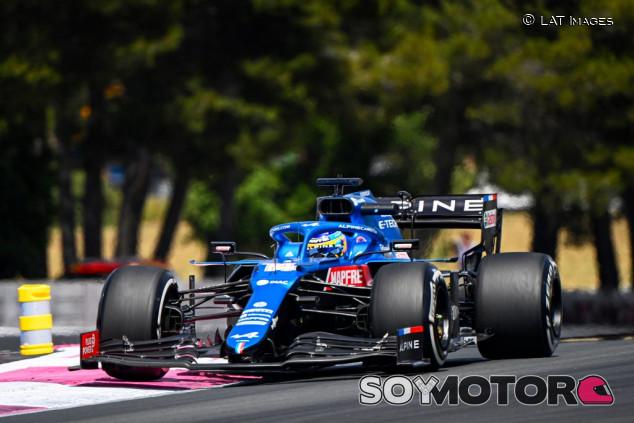 """Viernes alentador para Alonso en Francia: """"Somos competitivos"""" - SoyMotor.com"""