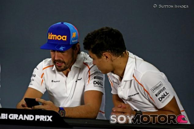 """Norris destaca el """"beneficio"""" de que Alonso probase el MCL34 –SoyMotor.com"""