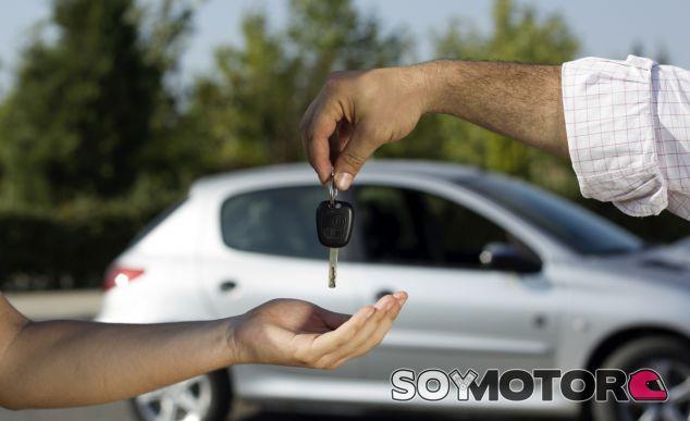 Alquila un coche para luego venderlo por...¡7.000 euros! - SoyMotor.com