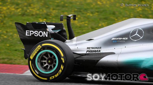 Mercedes W08 en el Circuit de Barcelona-Catalunya - SoyMotor