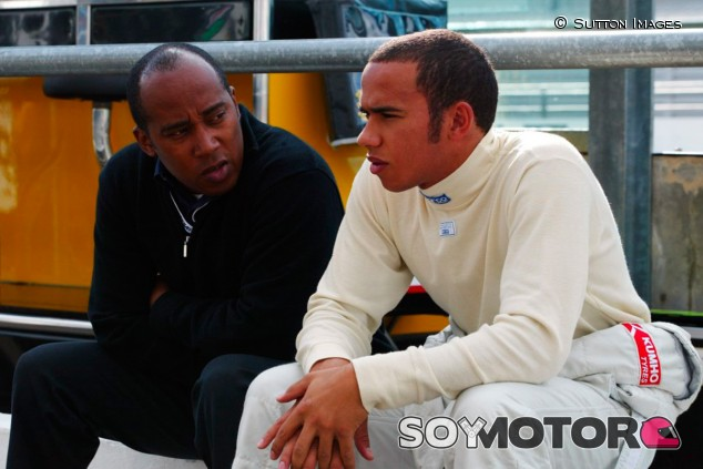 """Hamilton: """"Teníamos que ser perfectos, éramos la única familia negra"""" - SoyMotor.com"""