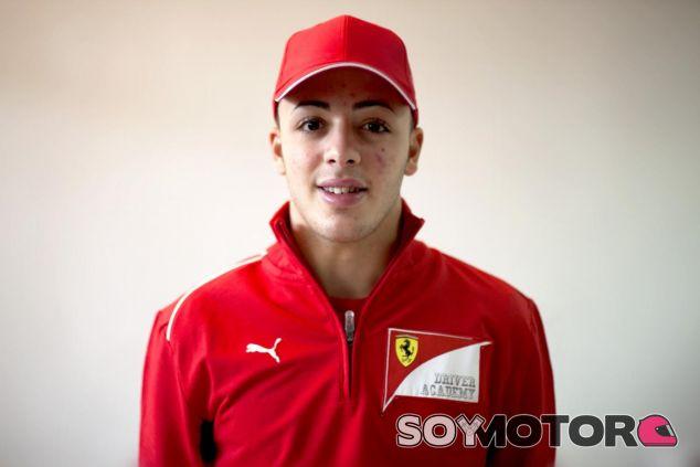 Antonio Fuoco luciendo los colores de la Ferrari Driver Academy - LaF1