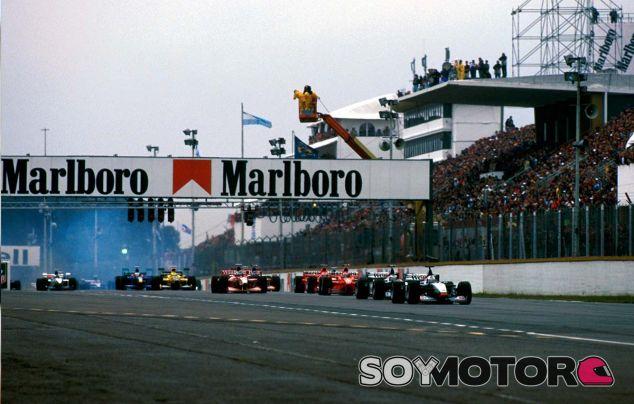 David Coulthard y Mika Hakkinen en Buenos Aires - SoyMotor.com
