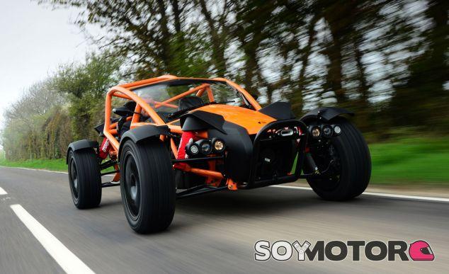 El Ariel Nomad se ha convertido en el vehículo perfecto para los amantes del pilotaje off-road - SoyMotor
