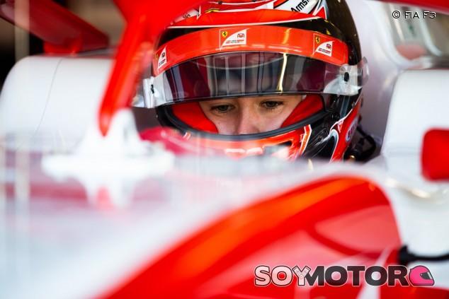 Armstrong lidera 'in extremis' el Día 1 de test en Hungaroring - SoyMotor.com
