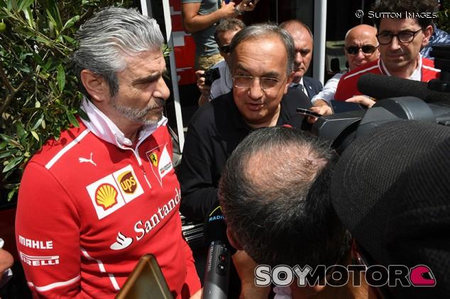 Maurizio Arrivabene, Sergio Marchionne y Mattia Binotto en Hungaroring - SoyMotor.com