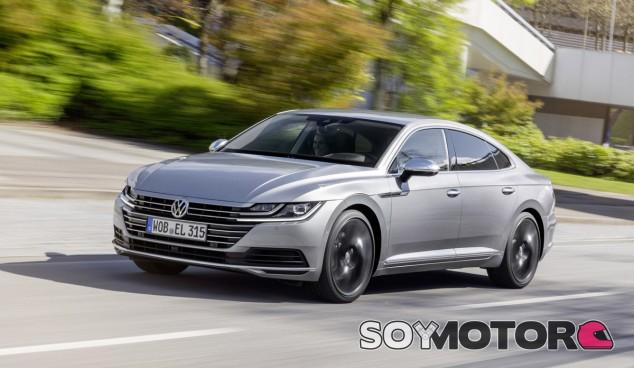 El Volkswagen Arteon, sustituto del Passat CC, aterriza en España - SoyMotor.com